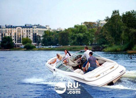 Аренда катера в Спб «Maxum»