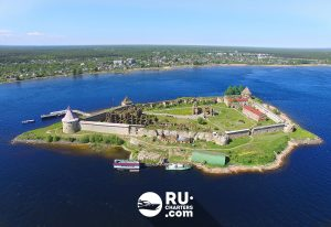Аренда яхты или катера в крепость «Орешек»