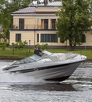 Аренда катера в Спб «Crownline 320»