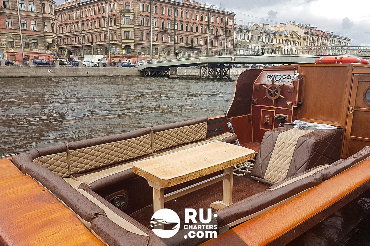 везде могут лодка в аренду спб для фотосессии ещё