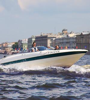 Аренда катера в Спб «Bayliner Storm 2»