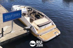 Аренда катера в СПб «rinker Captiva»