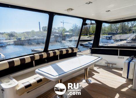 «elegance 65» Аренда яхты в СПБ