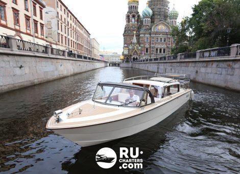 «Венеция» Аренда катера в СПб