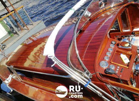 «Катарина» Аренда катера в СПб