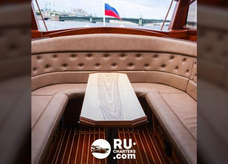 Аренда катера «venissa» в Санкт Петербурге