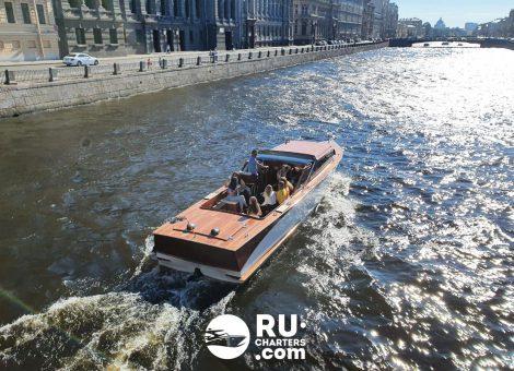 Аренда катера «Премьера» в Санкт Петербурге