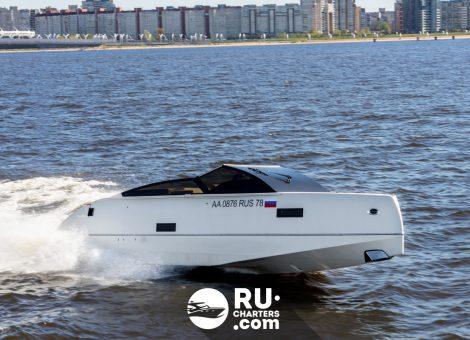 Аренда катера Velvette 33 в Санкт Петербурге